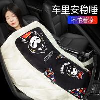 gucci汽车抱枕被子两用一对车内靠枕个性毛毯车载靠垫可爱卡通车上用品