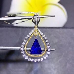 斯里兰卡蓝宝石吊坠,高净度,爆闪火彩