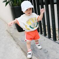 婴儿夏季男宝宝衣服连帽上衣纯色短裤套装新生幼儿纯棉两件套