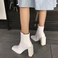 白色短靴女秋季2018新款个性方头粗跟高跟短筒靴马丁靴英伦风hgl