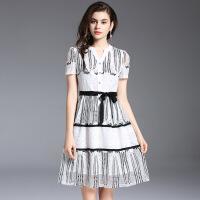 欧美女装2018夏季新款V领优雅气质裙子短袖镂空系带连衣裙潮5904 白色