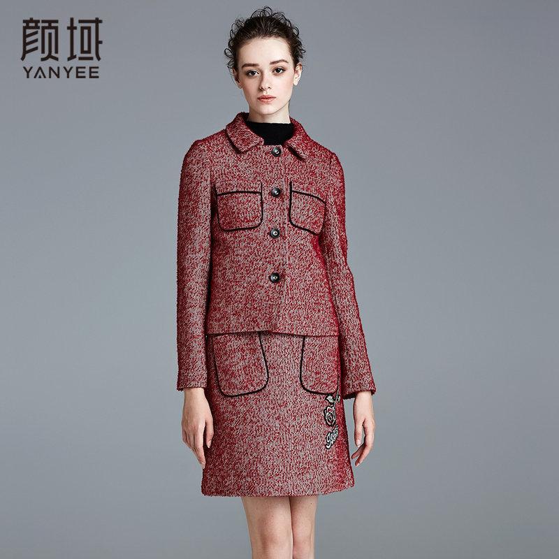 颜域品牌女装2017冬季新款粗花呢娃娃领加厚长袖修身呢子短外套翻领设计,更显干练气息