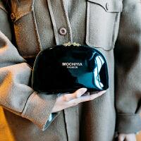 韩国便携贝壳化妆包漆皮黑色大小号收纳简约多功能大容量防水旅行