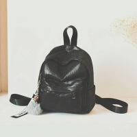 新款女包双肩包韩版小背包镭射亮面百搭休闲毛球挂件妈咪包旅行包