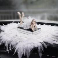 汽车内饰摆件卡通可爱天使创意香水座香薰太阳能时尚车载镶钻摆设