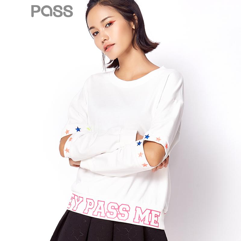 【不退不换】PASS潮牌秋装新款 潮流长袖套头时尚短款字母印花上衣卫衣女6630521057