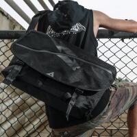 时尚男学生书包休闲单肩斜挎包女潮流信使包户外运动骑行死飞包