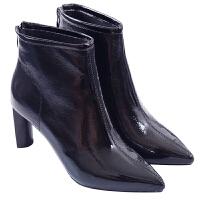 漆皮黑色短靴粗跟英伦马丁靴2018秋冬新款尖头高跟后拉链短靴女靴真皮