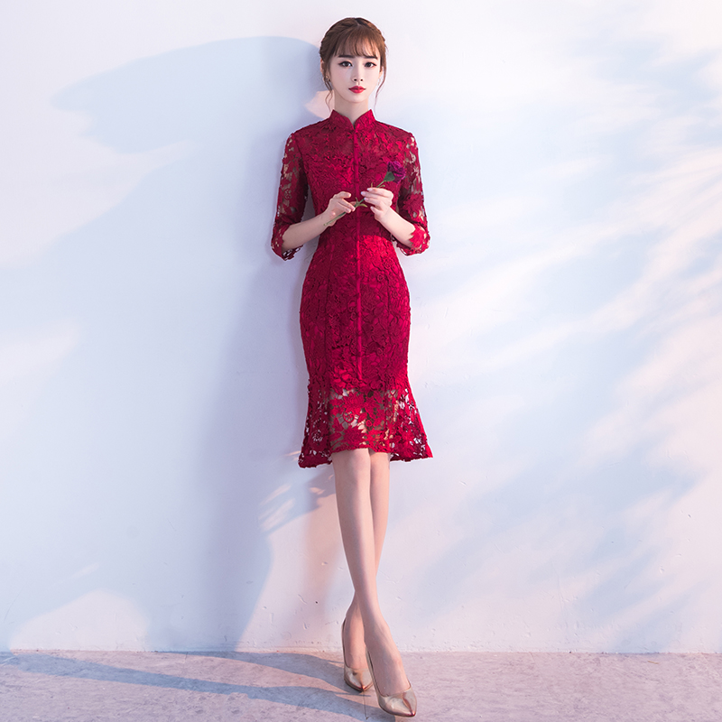 敬酒服新娘旗袍秋冬季2018新款红色长款结婚晚礼服女修身显瘦短款 发货周期:一般在付款后2-90天左右发货,具体发货时间请以与客服商的时间为准