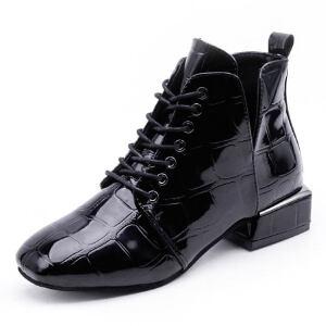 WARORWAR新品YM45-7066冬季韩版漆皮低跟女士靴子马丁靴短靴