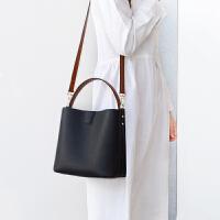 女包2019新款水桶包真皮撞色时尚头层牛皮桶包休闲百搭单肩斜挎包