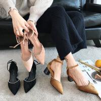 高跟鞋女春季2018新款韩版百搭粗跟单鞋一字扣带中跟绒面尖头凉鞋