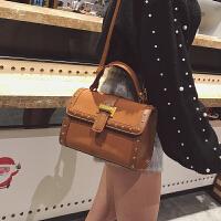 小包包韩版新款简约小方包单肩斜挎包时尚铆钉女包手提包