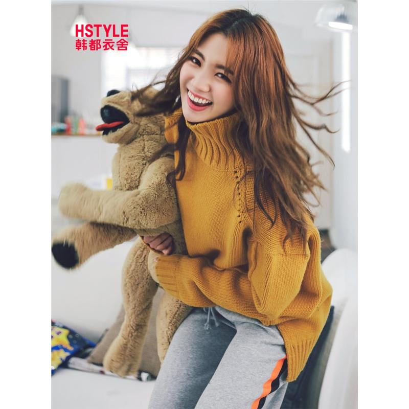 韩都衣舍2019春装新款女装韩版宽松红色长袖毛衣针织衫GW9725.阨