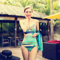 奢奇泳衣女性感小胸聚拢连体游泳衣三角遮肚显瘦钢托露背泳装温泉