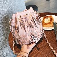 小包包2018新款潮韩版百搭斜挎包上新链条单肩包时尚流苏水桶包