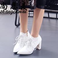 短靴女秋春新款时尚英伦风漆皮马丁靴高跟侧拉链尖头粗跟系带女靴