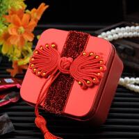 流苏绒面马口铁糖盒 创意喜糖盒心形马口铁糖盒
