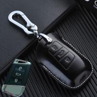 大��~�v�匙包 2017款新�~�vB8全包��型汽��匙套 黑色油�皮 旋�D扣