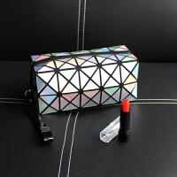 手包式便携化妆包韩国小号简约几何旅行大容量收纳包化妆袋潮 银色 镭射几何长方形