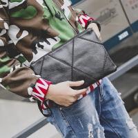 街头时尚潮男小包手腕包韩版新款青年手抓包休闲ipad包手机包2018