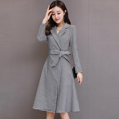 黑白格子风衣2018秋新款韩版修身连衣裙西装领中长款裙摆风外套女 黑白格子 发货周期:一般在付款后2-90天左右发货,具体发货时间请以与客服商的时间为准