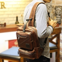 男士IPAD包胸包斜跨包休闲包小斜挎手机韩版 单肩男包包潮男小包 咖啡色