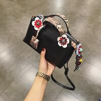 包包新款斜挎包女小包单肩包女包迷你花朵包春夏手提包