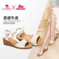 骆驼女鞋真皮舒适坡跟妈妈鞋��鞋女夏新款孕妇软底中老年鞋子