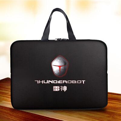 20180523041908472雷神911M笔记本电脑包17英寸游戏本手提包 内胆包15.6寸防水 发货周期:一般在付款后2-90天左右发货,具体发货时间请以与客服协商的时间为准