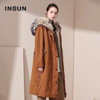 INSUN/恩裳商场同款时尚气质绣花保暖加厚皮毛一体派克服外套女配