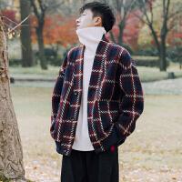 春秋季新款撞色格子V领毛衣男士潮流开衫外套韩版宽松落肩针织衫