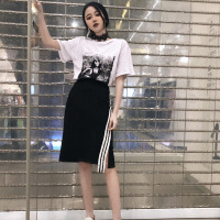 韩版时尚休闲套装夏装女装个性破洞短袖T恤上衣+开叉半身裙两件套 均码