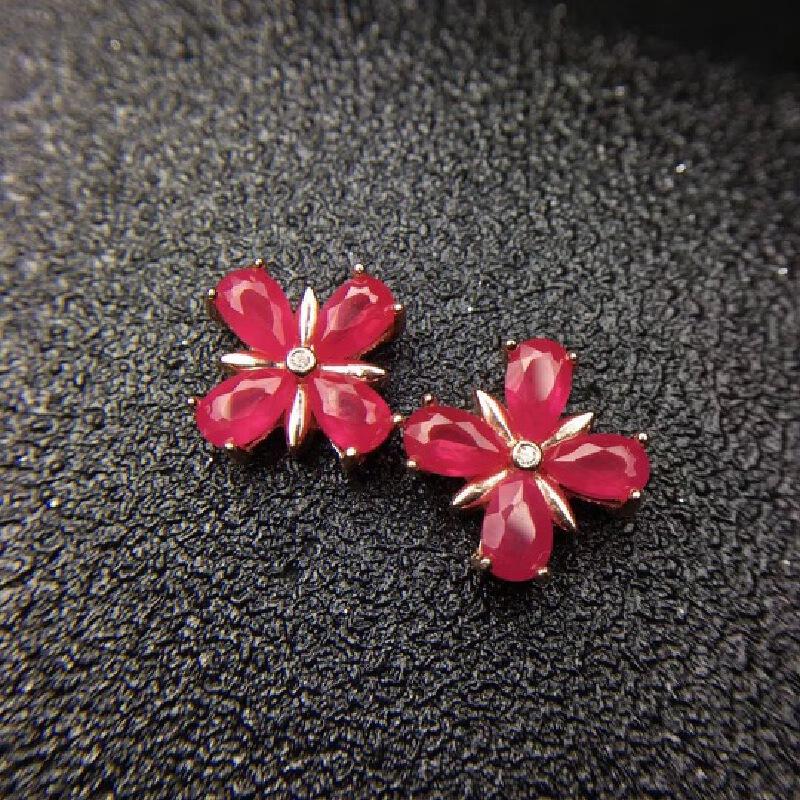 天然缅甸红宝石蝴蝶结耳钉,鸽血红色、晶体佳