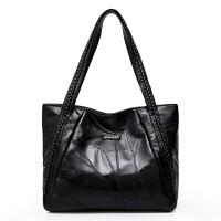 女包包2018新款真皮时尚百搭大容量羊皮包韩版大气单肩手提软皮包 黑色