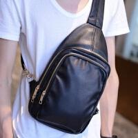 韩版男士胸包 新款皮质小挎包 休闲出游包 户外运动单肩背包 黑色