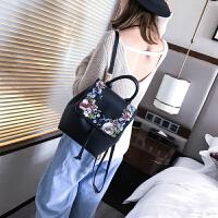 2017款潮女士双肩包韩版旅行百搭书包背包时尚校园绣花大容量包包