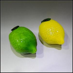 二十世纪80年代 料器仿生瓜果摆饰一对