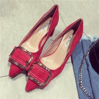 单鞋女秋季新款欧美时尚尖头浅口粗跟鞋金属方扣蝴蝶结红色高跟鞋