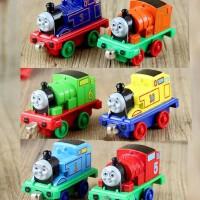 托马斯小火车头车模轨道套装 磁铁磁性链接托马斯和朋友儿童玩