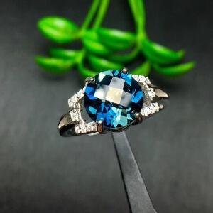 纯天然伦敦蓝托帕石戒指,超深的伦敦蓝