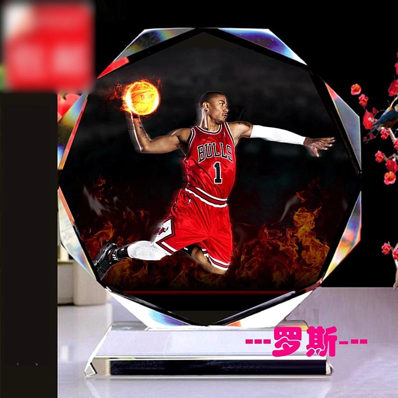 新款水晶相框 篮球星詹姆斯科比罗斯艾佛森库里球迷手办用品生日礼物送男生 发货周期:一般在付款后2-90天左右发货,具体发货时间请以与客服协商的时间为准