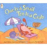 英文原版 一个蜗牛,十个螃蟹 One Is a Snail, Ten Is a Crab