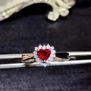 纯天然缅甸红宝石戒指,红宝石艳如烈火,让人们拥有热情