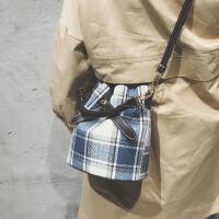 包包女包格子母水桶包大气韩版单肩斜跨包
