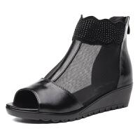 秋季网纱凉鞋真皮女鞋坡跟中跟平底中年妈妈凉鞋鱼嘴镂空凉靴 黑色