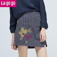 【5折价64.5】Lagogo/拉谷谷2017年秋新刺绣不规则设计条纹撞色短裙