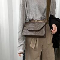 新款韩国复古鳄鱼纹pu皮小方包时尚简约宽肩带单肩斜挎包女 棕绿色 现货