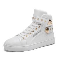 秋季马丁靴男士短靴白色皮靴青少年中学生街舞男生高帮板鞋男靴子