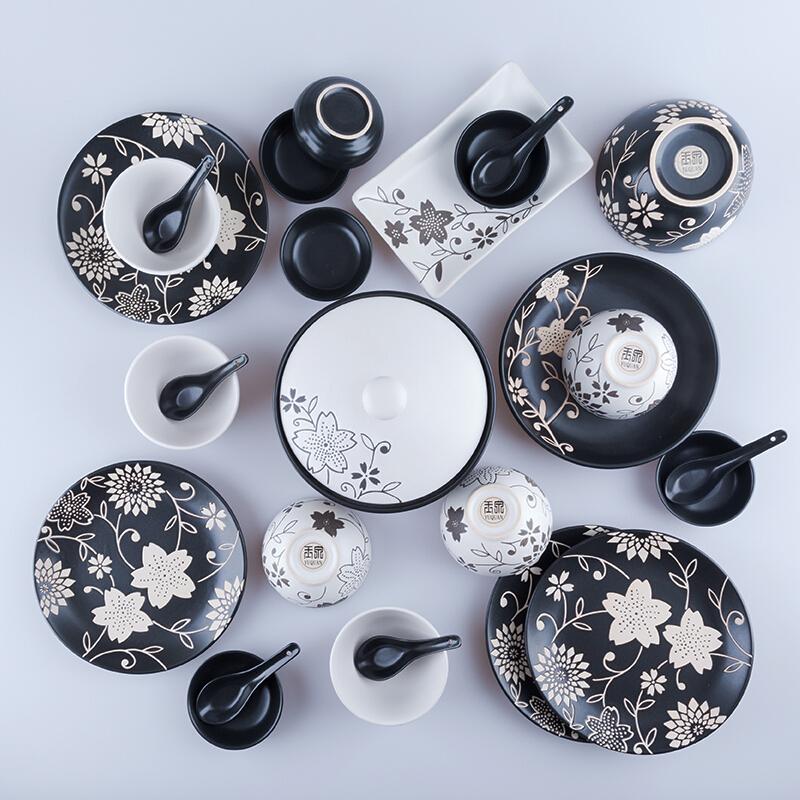叶舞日式餐具碗盘套装碗碟 手工印花 中式陶瓷碗盘子家用 年货节 黑色印花叶舞 一般在付款后3-90天左右发货,具体发货时间请以与客服协商的时间为准